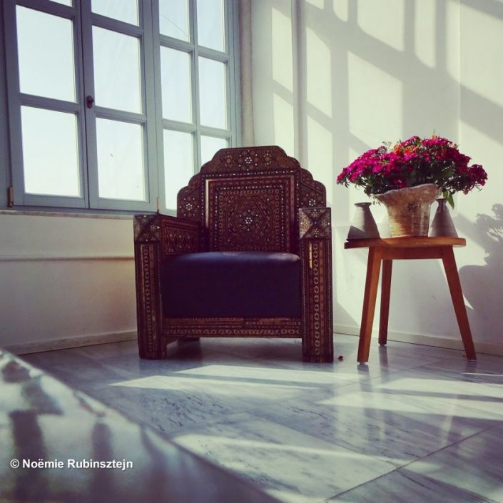 This photo was taken in Akko in a century-old hotel which used to be the Efendi's house and turned into a hotel some years ago. The designers found the perfect way to mix the place's heritage and modernity.