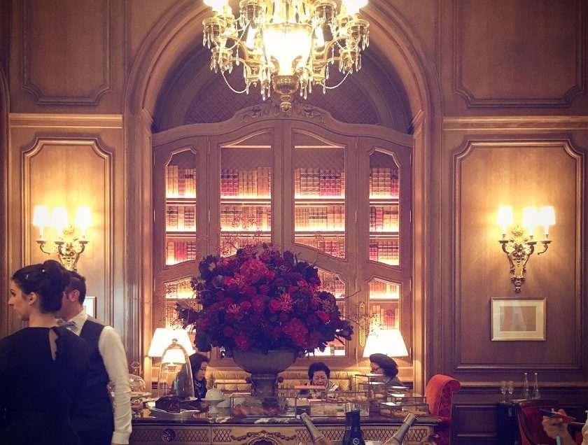 This photo was taken in Paris in a palace which succeeds to create an amazingly private and personal atmosphere, thanks to its many discreet and beautiful corners.